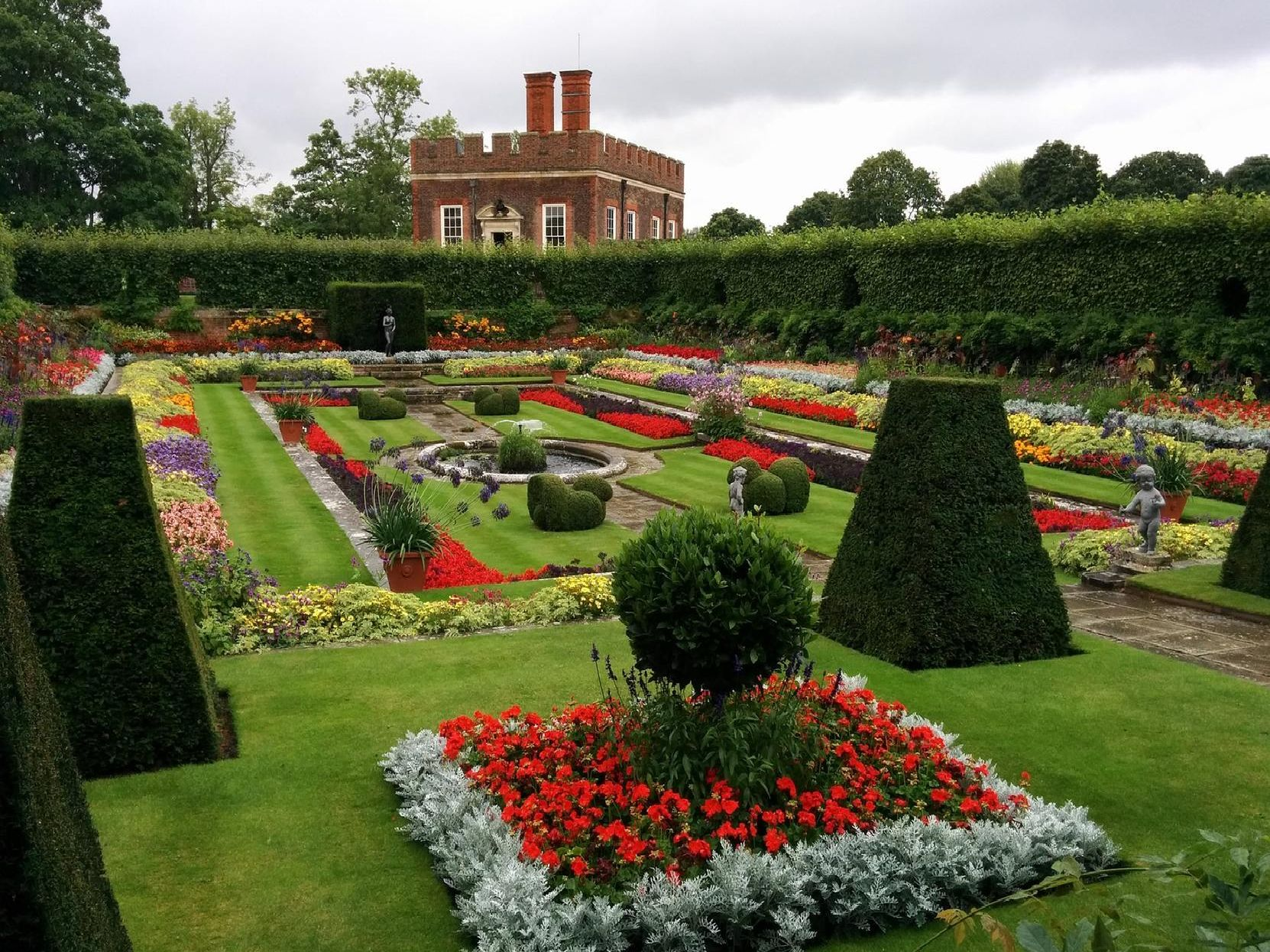 Having the right things in your garden can really increase the value of your home