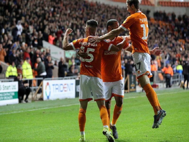 Jordan Thompson celebrates his sublime solo goal