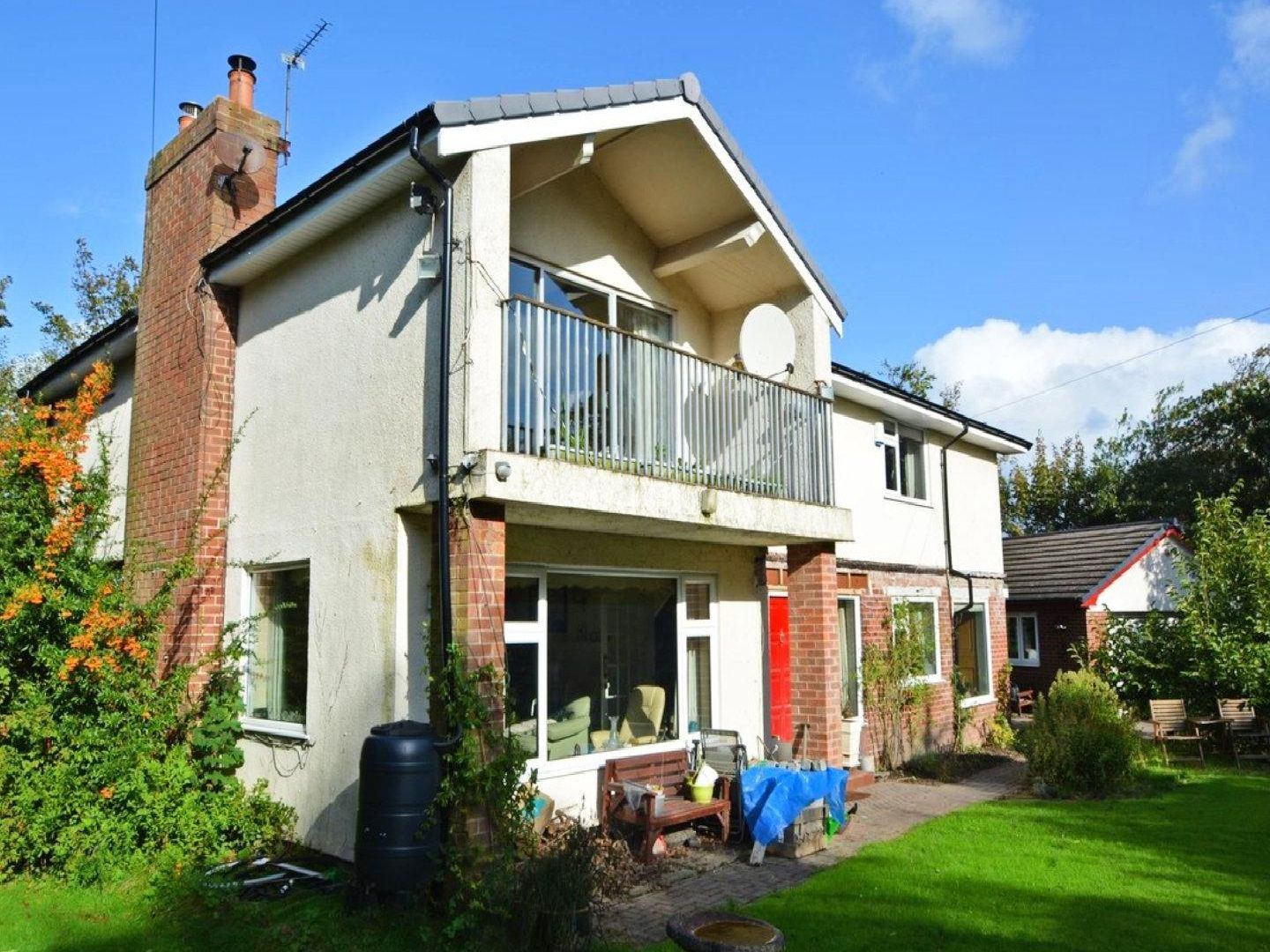 This detached four bedroom detached home set in its own grounds in Thornton is up for sale for 350,000