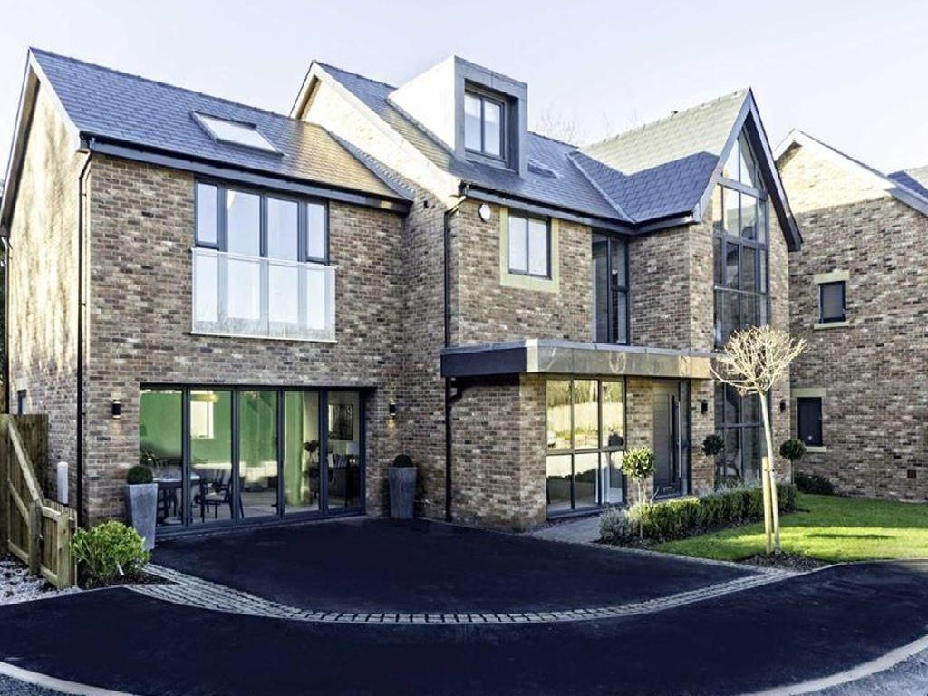 An ultra-modern six bedroom, six bathroom, and three reception room detached property in Fulwood, this home is as nice as Lancashire has to offer.