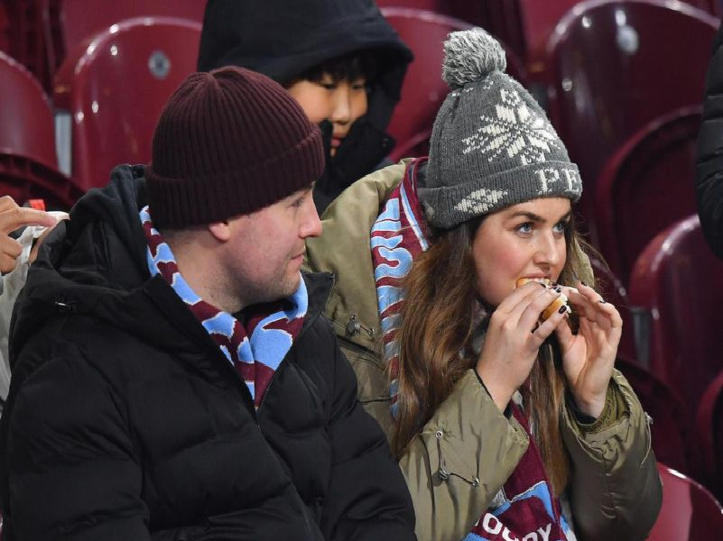 Burnley v Manchester City fan photos. Photo: Dave Haworth/Camera Sport