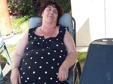 Linda at over 15 stone and a dress size 22 to 24.