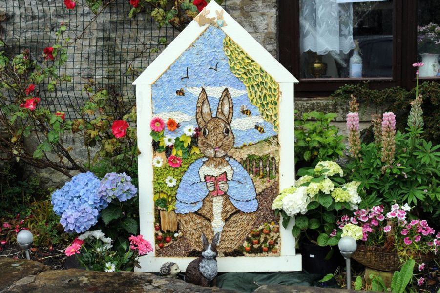 Swans Gate Well Dressing on Sherwood Road, Tideswell.