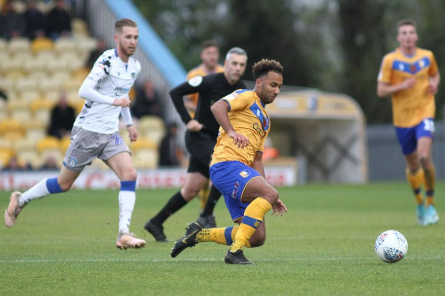 Nicky Maynard in action for the home side.