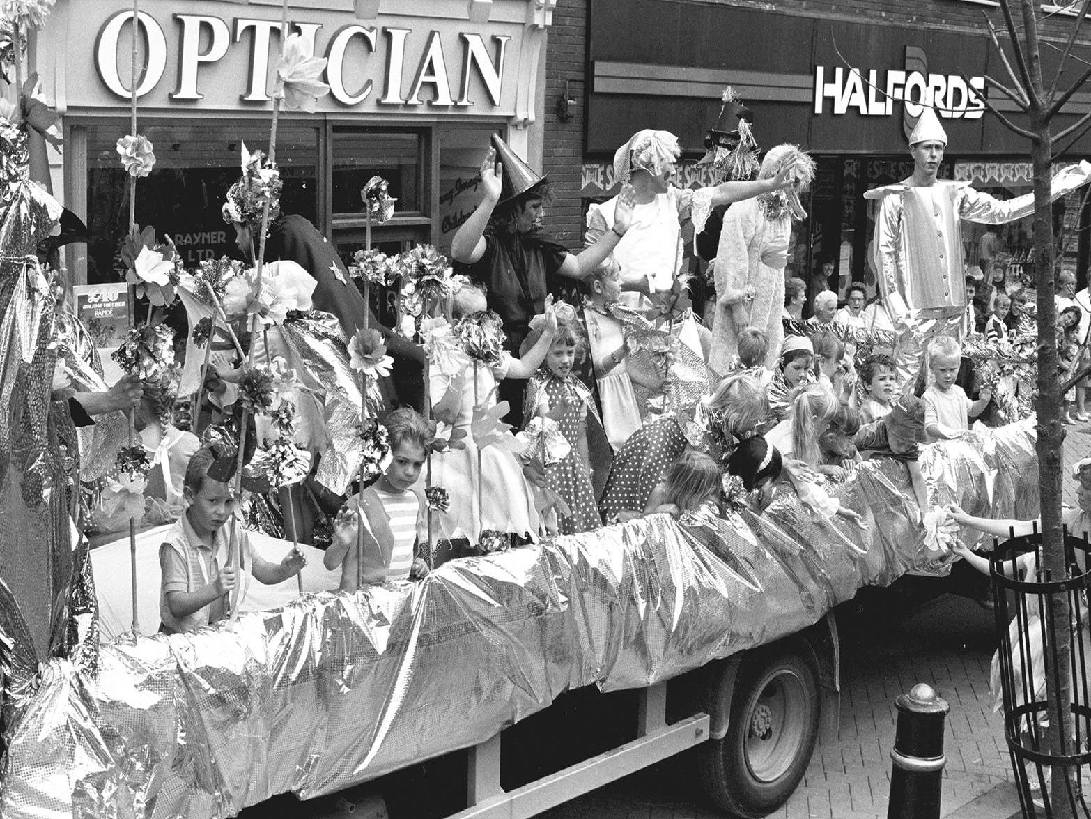 1989: This magnificent float full of characters from the Wizard of Oz was part of the Mansfield Carnival. Are you on this picture?