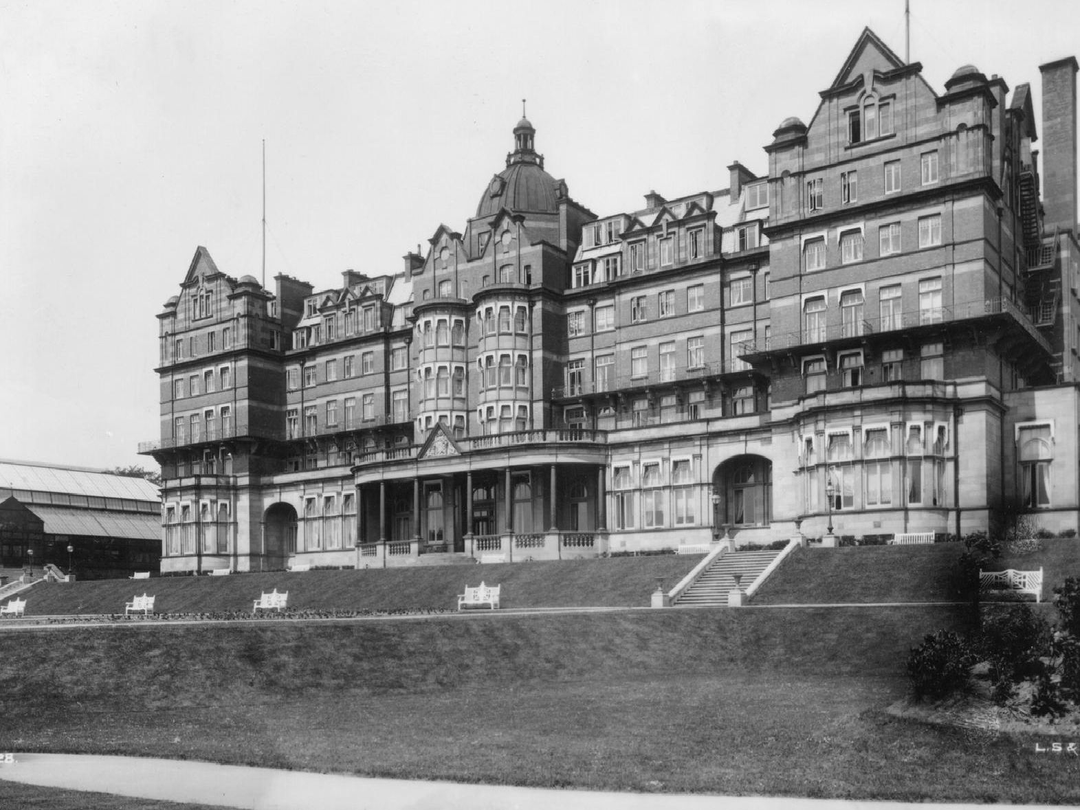 The Hotel Majestic, Harrogate, Yorkshire, circa 1910. (Picture: London Stereoscopic Company/Hulton Archive/Getty Images)