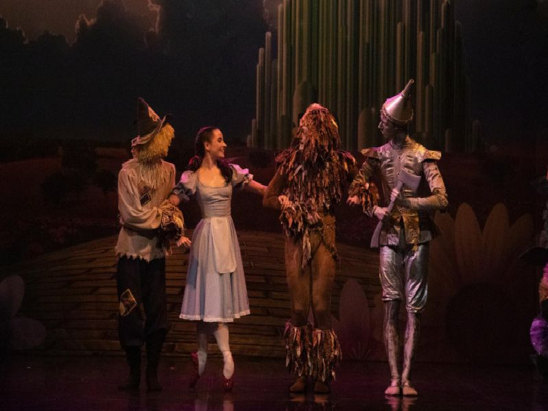 Dorothy, The Scarecrow, Lion and Tinman are off to see the Wonderful Wizard of Oz.