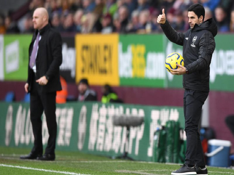 Arsenal manager Mikel Arteta and Sean Dyche at Turf Moor