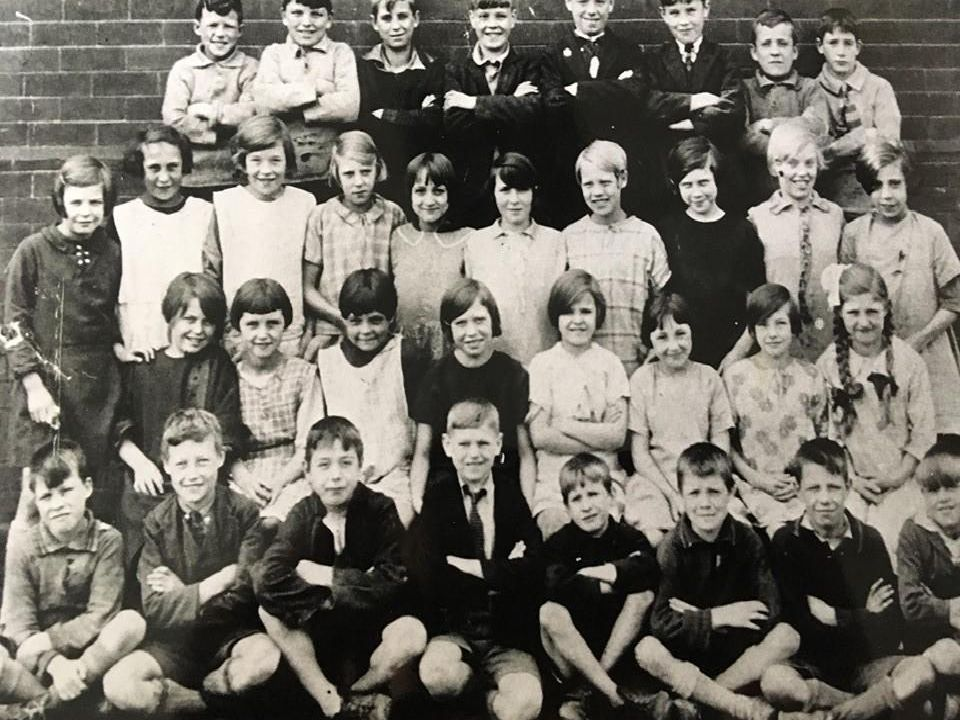 Picture of pupils of the old Tanshelf school in Pontefract