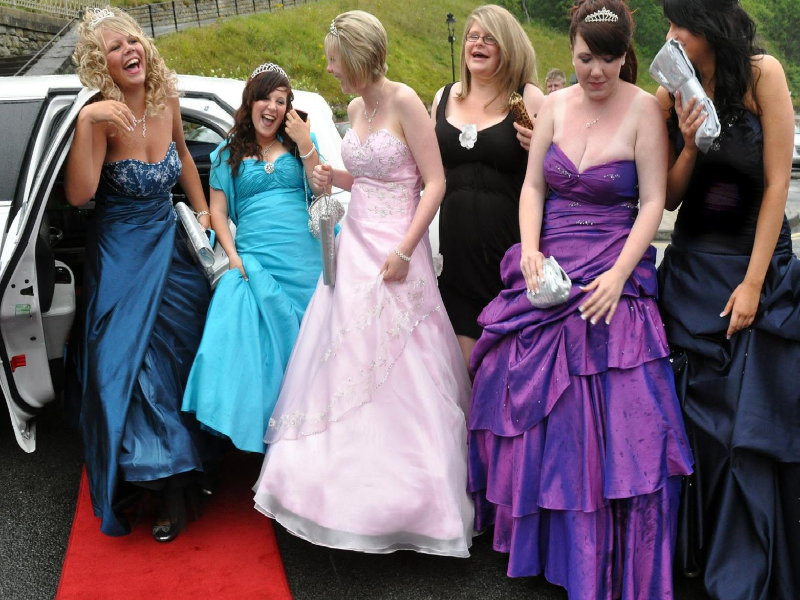 Party-goers arrived in a stretch limo.