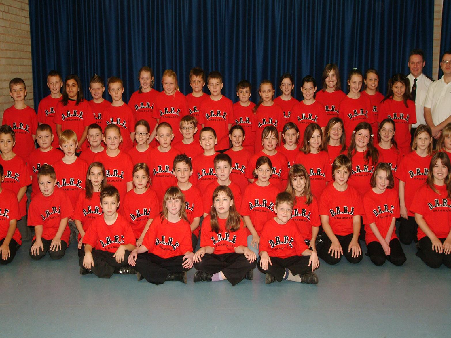 2007: A fantastic nostlagic group shot featuring pupils from Prospect Primary School, Maple Drive, Worksop, during their DARE graduation. Are you on this picture?