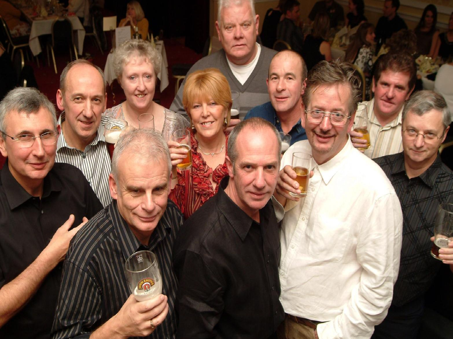 2007: This group from Hartland/Portland School are enjoying their annual school reunion at the West Retford Hotel.