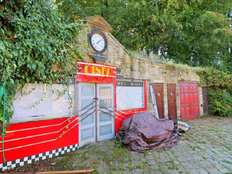 American Diner fronted annexe
