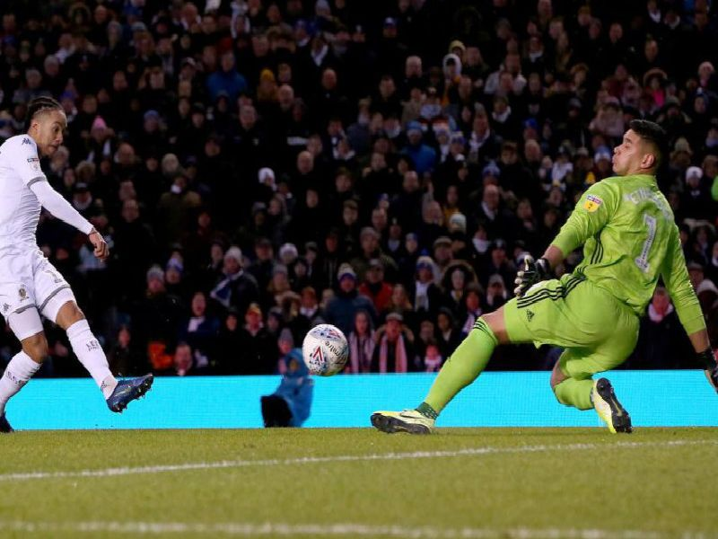 Leeds United threw away a 3-0 lead to draw 3-3 with Cardiff City on Saturday.