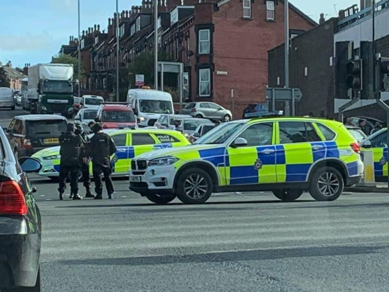 Armed police arrest five teenagers in Harehills on suspicion of carrying offensive weapons thumbnail