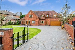Driveway (credit:Arnold and Phillips Estate Agents)