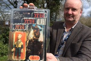 Hansons toy valuer, Steve Fulford with Jedi Yak Face toy, estimate 600-800.