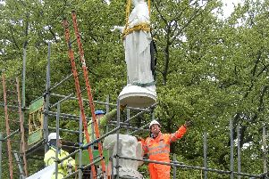The return of the statue.