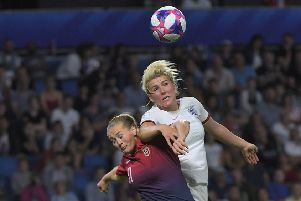 TOPSHOT - Norway's forward Lisa Utland (L) vies with England's defender Millie Bright during the France 2019 Women's World Cup quarter-final football match between Norway and England, on June 27, 2019, at the Oceane stadium in Le Havre, north western France. (Photo by LOIC VENANCE / AFP)        (Photo credit should read LOIC VENANCE/AFP/Getty Images)