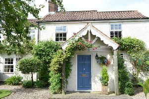 Golden Ray Cottage - £599,950