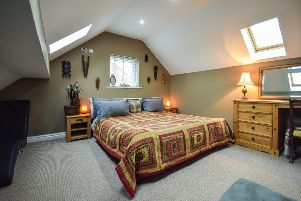 A Fantastic five bedroom North Featherstone family home