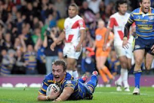 Lee Smith scores in the 2009 Grand Final v St Helens (SWPix)