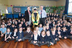 Pix: Shaun Flannery/shaunflanneryphotography.com'''COPYRIGHT PICTURE>>SHAUN FLANNERY>01302-570814>>07778315553>>''12th April 2019''Miller Homes Yorkshire'Site safety talk at Boroughbridge Primary School
