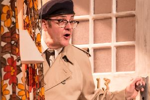 Joe Pasquale will return to Nottingham Theatre Royal next year in Some Mothers Do 'Ave Em
