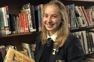 Schoolgirl wins top Cambridge University history prize