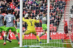 Lee Cattermole strikes as Sunderland draw level against Walsall.
