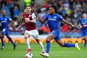 Goalscorer Jeff Hendrick closes down Everon's Alex Iwobi at Turf Moor