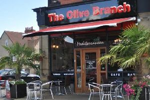 The Olive Branch: 4-6 The Avenue, Leeds, LS17 7BE