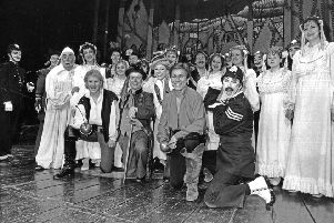 The cast of Pirates of Penzance at the Lyceum Theatre in December 1990.