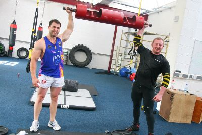 Emmerdale star muscles in with Burnley strongman - Burnley
