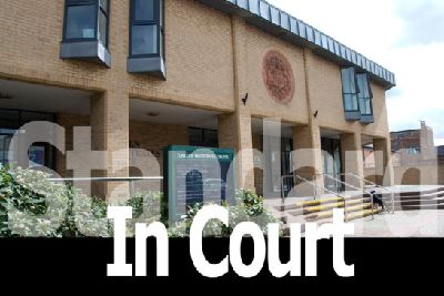 Lincs: A man was caught trying to smuggle drugs and a mobile