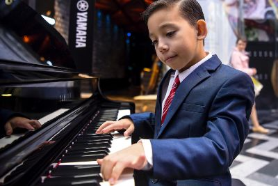 Leeds boy, 9, became piano prodigy by watching Youtube clips
