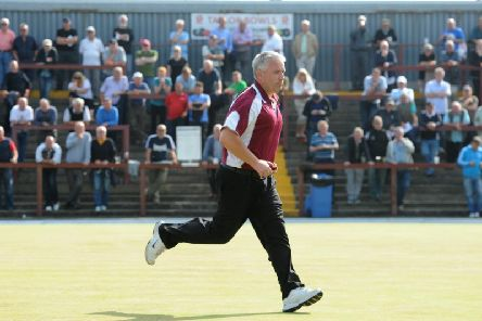Waterloo great Gary Ellis will offer the new bowls management at the Blackpool venue his full support