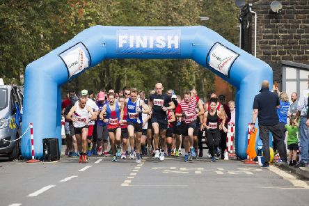 Runners set off at last years Cragg Challenge