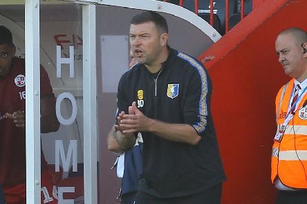 Picture Gareth Williams/AHPIX LTD, Football, Sky Bet League Two, Crawley Town v Mansfield Town, Checkatrade.com Stadium, Crawley, UK, 14/09/19, K.O 3pm''Howard Roe>07973739229''Mansfield boss John Dempster encourages his side