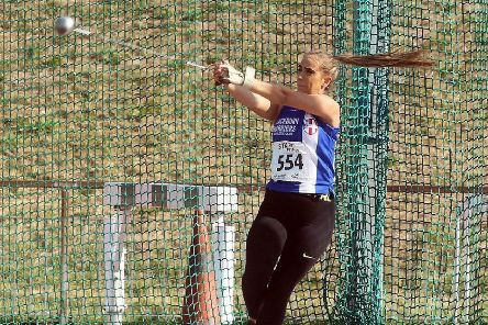Charlotte Williams (Blackburn Harriers) wins the womens under-17s hammer, 2018 Northern Under-17s/U-15s/U-13s Champs., Wavertree Athletics Centre, Liverpool. Photo: David T. Hewitson/Sports for All Pics