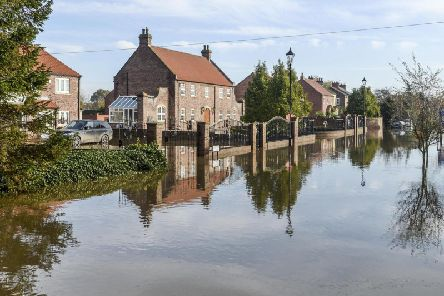 Heavy flooding along the River Don in the village of Fishlake, South Yorkshire - 9th November 2019 - Pic: Dan Rowlands / SWNS.com