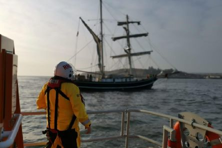 Whitby RNLI tow a sailing vessel to safety. RNLI/Aden Welford