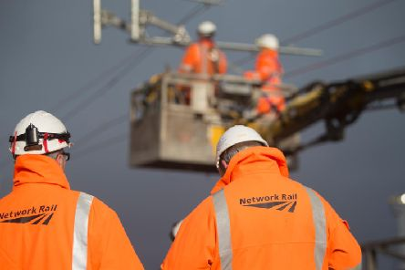 Overhead line engineers