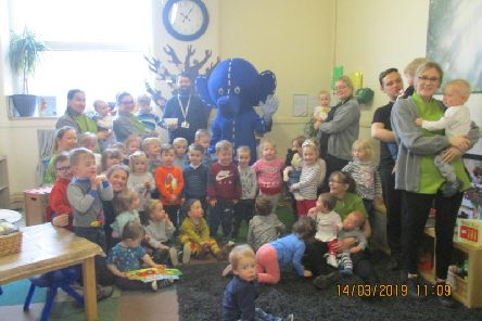 Oli, Alder Hey's mascot met children at Nature Trail Nursery