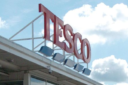 A shoplifter who struck at Tesco Extra, in Chesterfield, has been placed on a curfew.