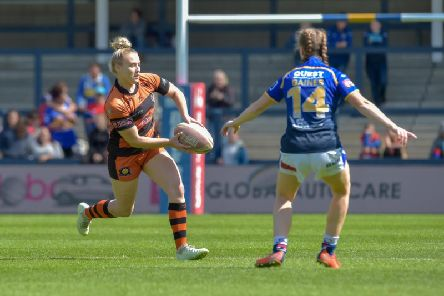 Georgia Roche in action for Castleford Tigers Women this year. Picture: Melanie Allatt
