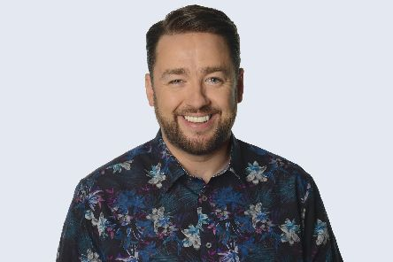 Jason Manford wll tour his Like Me show to Buxton and Derby in 2021.