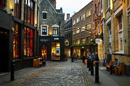 A cobbled street in the Newburgh Quarter. Image: Newburgh Quarter.