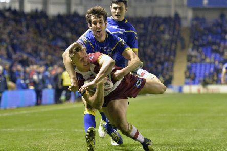 Tom Davies is thwarted just shy of the line by Stefan Ratchford