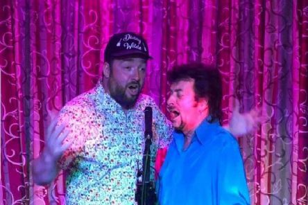 Jason Manford sings a duet with musician Danny Wilde.